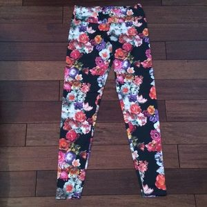 Onzie floral yoga pants